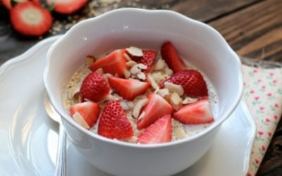 Strawberry quinoa breakfast bowl