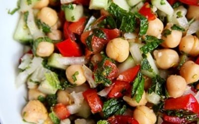 Summer chickpea salad with mint & lemon