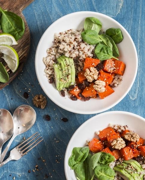 Quinoa with squash, spinach & avocado