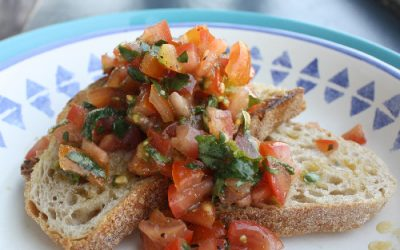 Bruschetta with tomatoes, basil and olive oil