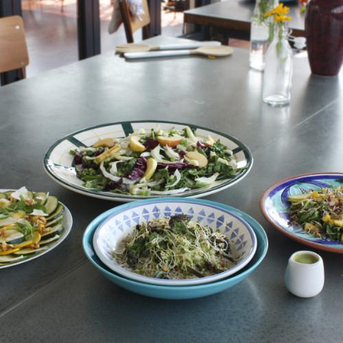 Spinach, bean and hazelnut salad