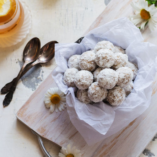 Chocolate, chickpea, fig and almond balls
